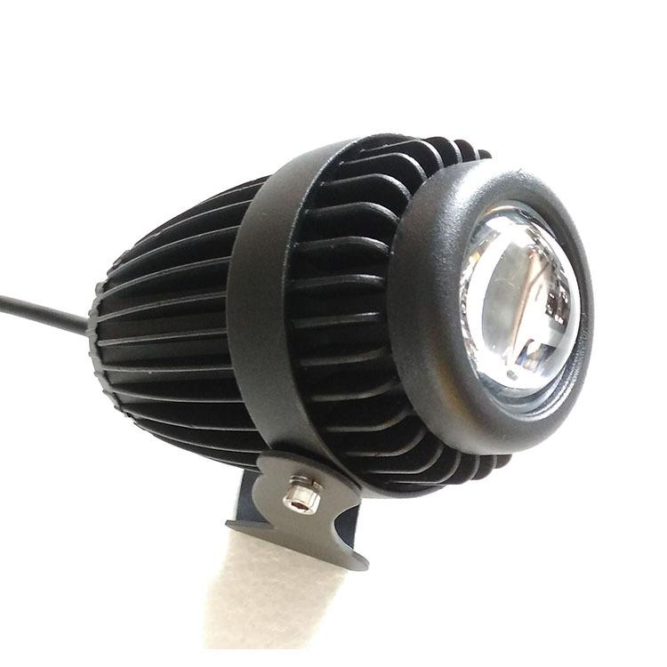 LED一束光外壳 led投光灯外壳压铸厚料 射灯外壳10W束光灯反光杯