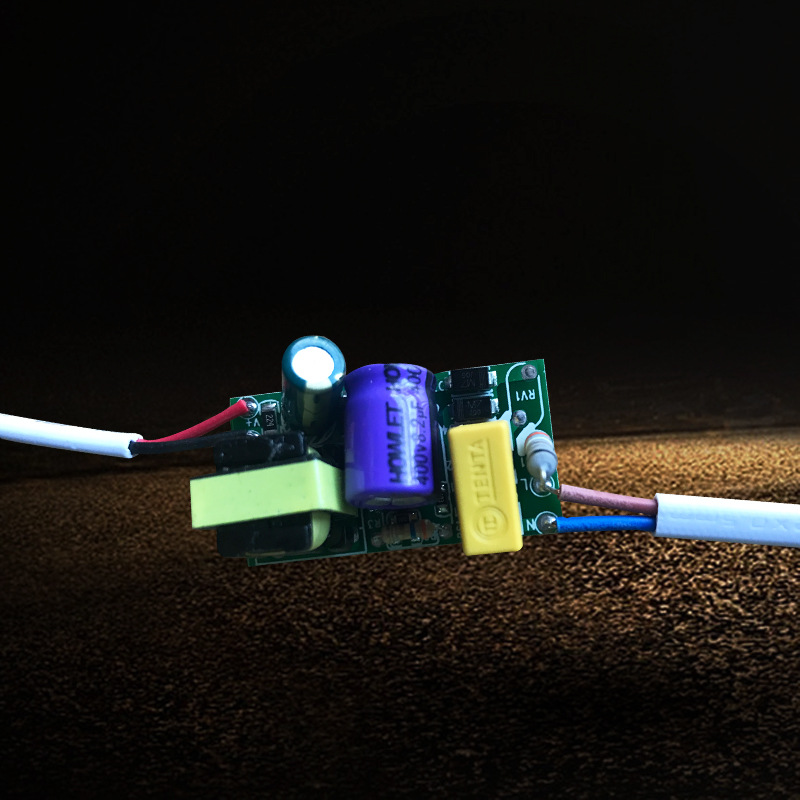 非隔离单色驱动8-24W 供应LED电源单色高端内置驱动 压驱动电源