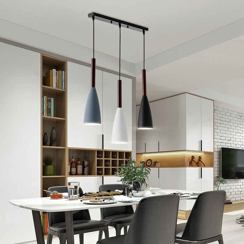 北欧餐厅灯现代简约创意ins风灯饰 网红灯床头灯个性吧台三头吊灯