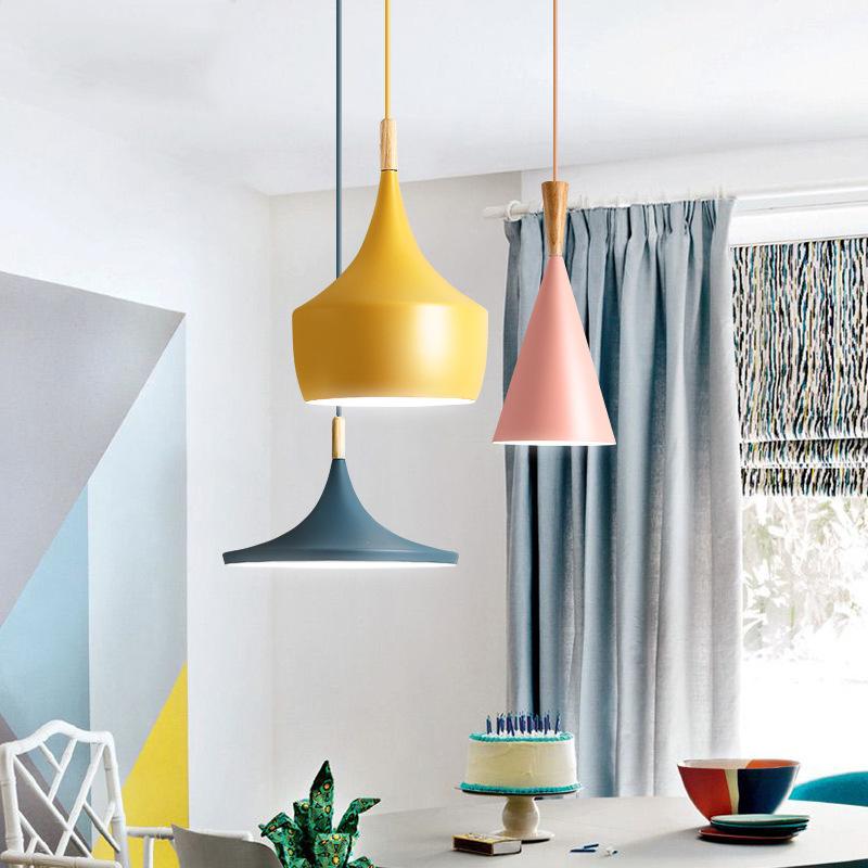 北欧LED吊灯工业复古灯卧室吧台咖啡创意彩色乐器木马卡龙餐吊灯
