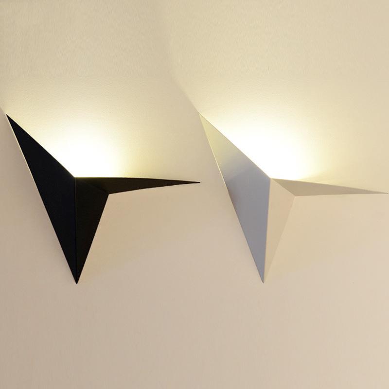 创意款铁艺异形三角形灯北欧简约创意卧室床头书房酒店客房镜前灯