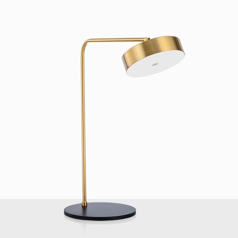 简约后现代艺术五金小台灯美式书桌样板房创意床头卧室客厅台灯